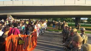 Manifestantes #ContraTarifa #Floripa tentam ir para a ponte mas sāo impedidos pela polícia